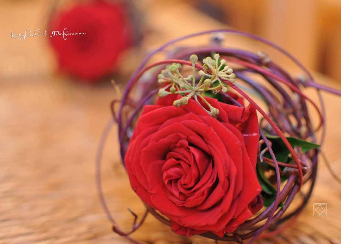 rote Rose Trauerfeier Handstrauß Abschied